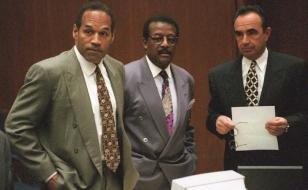 O.J. Simpson (L), Johnnie Cochran Jr. (C) and Robe