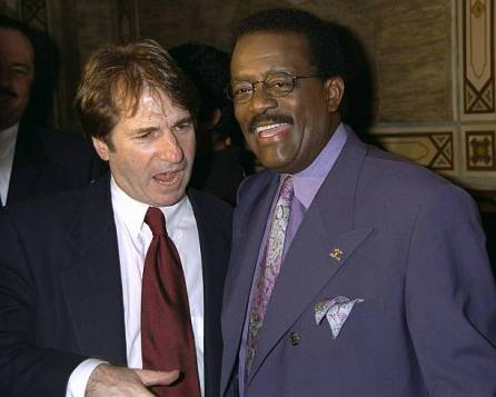 Barry scheck and johnnie cochran