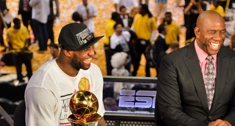 lebron and magic johnson (2)