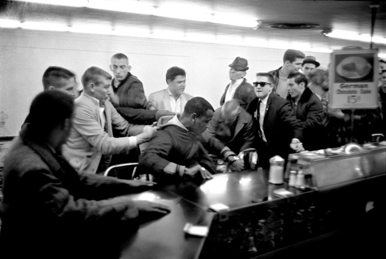 blacks assaulted at lunch counters